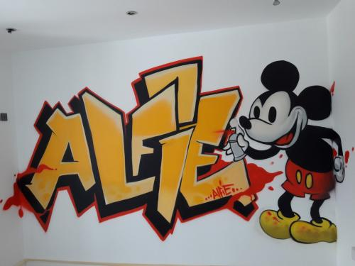 Alfie graffiti bedroom